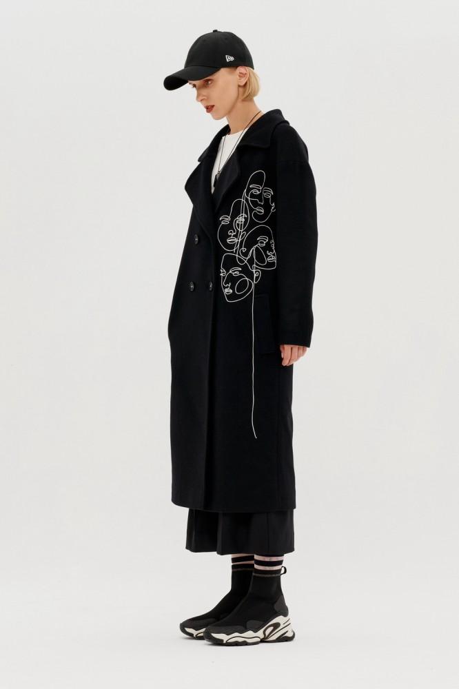 Пальто прямого силуэта с вышивкой кантом Pom