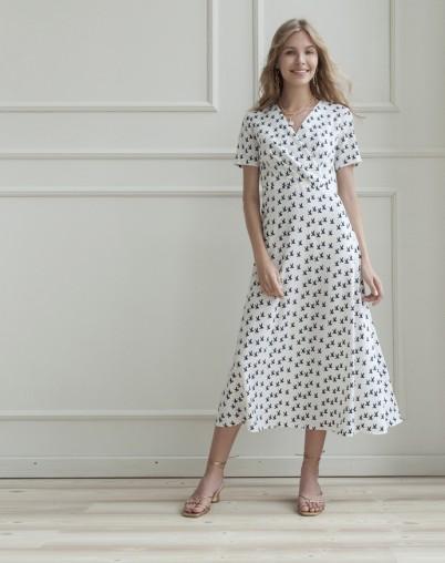 Платье белое в принт птички