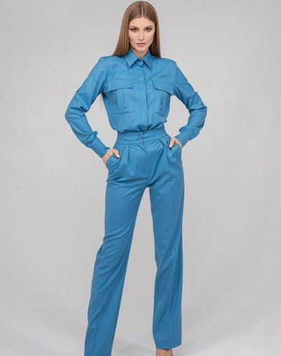 Костюм брюки с рубашкой голубой