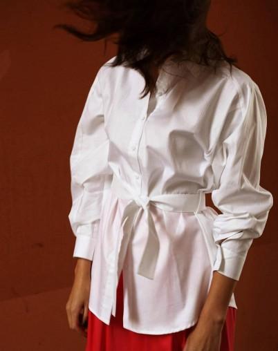 Рубашка белая базовая на поясе