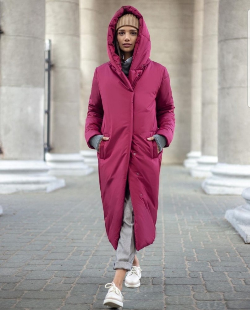 Пальто в цвете бордо