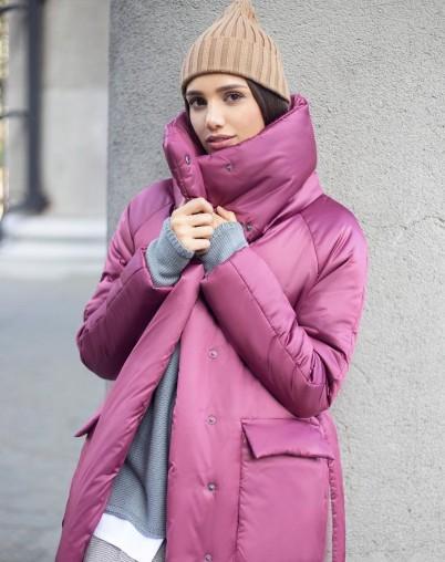 Пальто утепленное длинное малинового цвета