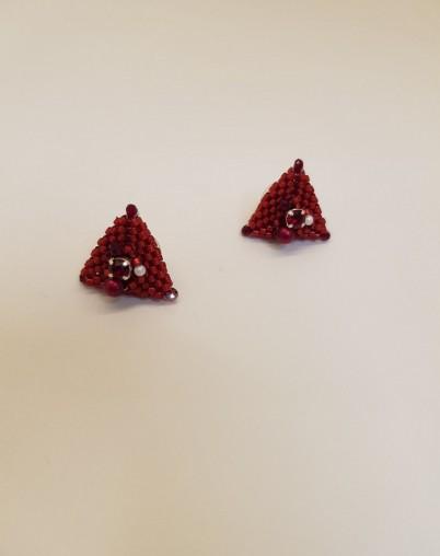 Треугольные серьги гвоздики
