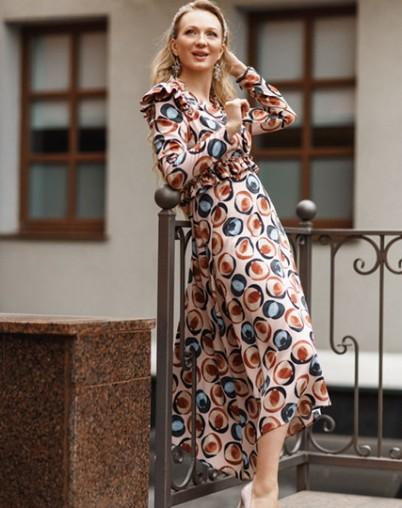 Платье с оборками и ассиметричным низом