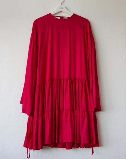Платье алое с воланами