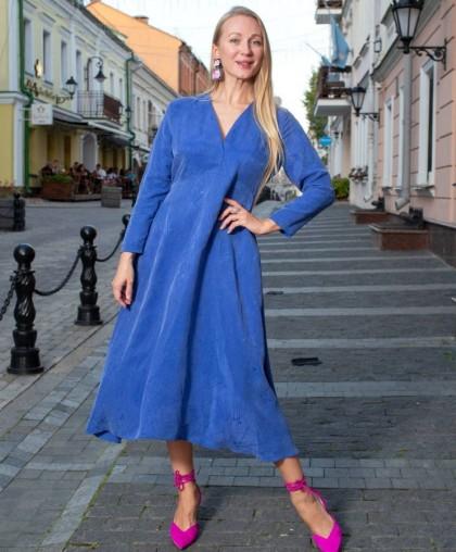 Платье глубокого синего цвета
